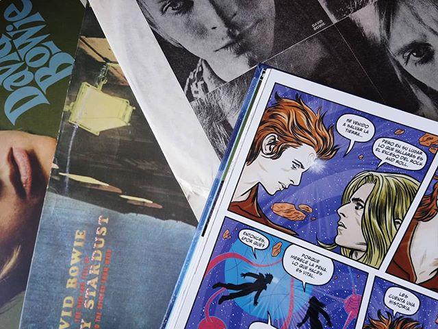 Bowie: Polvo de estrellas, pistolas de rayos y fantasías de la era espacial